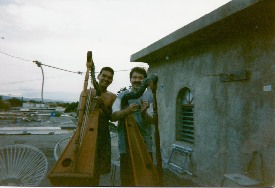chez Carlos Orozco sur les toits de Los Crepúsculos à Barquisimeto (1997)